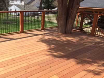 This redwood decking contains knots and sapwood.